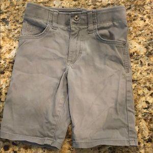 Lee extreme motion boy gray shorts size 6 regular